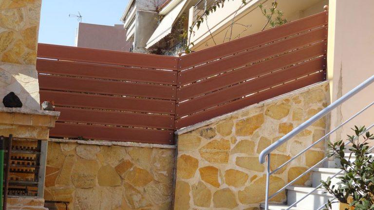 Περίφραξη οικίας με τάβλες wpc στην Λούτσα   Tentagon