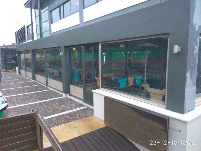 Τοποθέτηση συστήματος κασσονέτου για το ΄΄κλείσιμο΄΄της καφετέριας στον εξωτερικό χώρο του πολυχώρου Atlantis στην Ανθούσα | Tentagon
